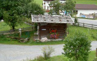 Brunnenhäuschen beim Peternhof in Kirchberg in Tirol